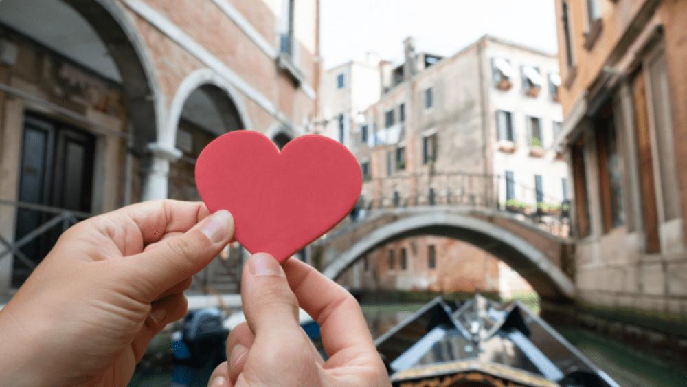 love heart honeymoon venice canals