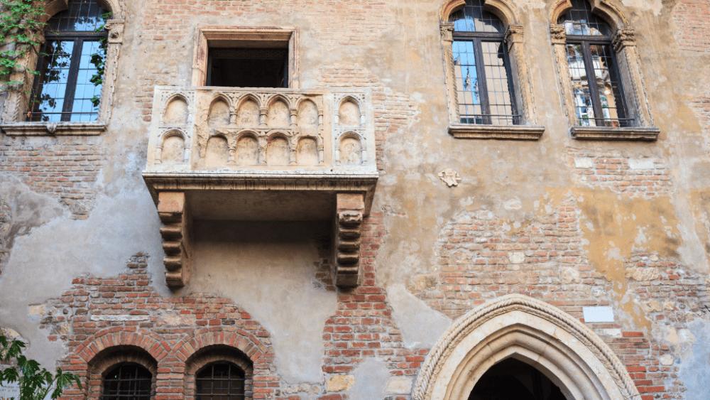 verina balcony Romeo and Juliet