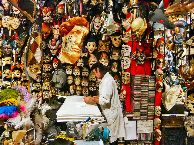 Venetian masks tradition