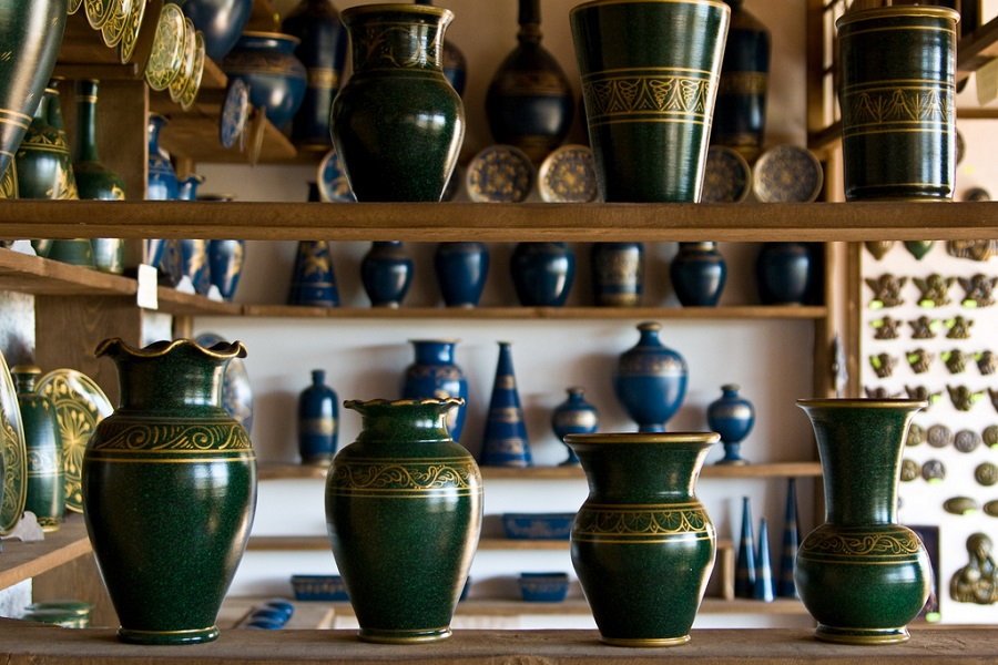 pottery in squillace, calabria