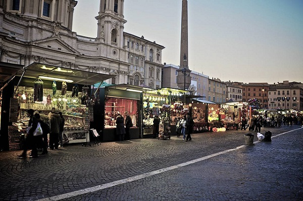 best places for christmas in italy