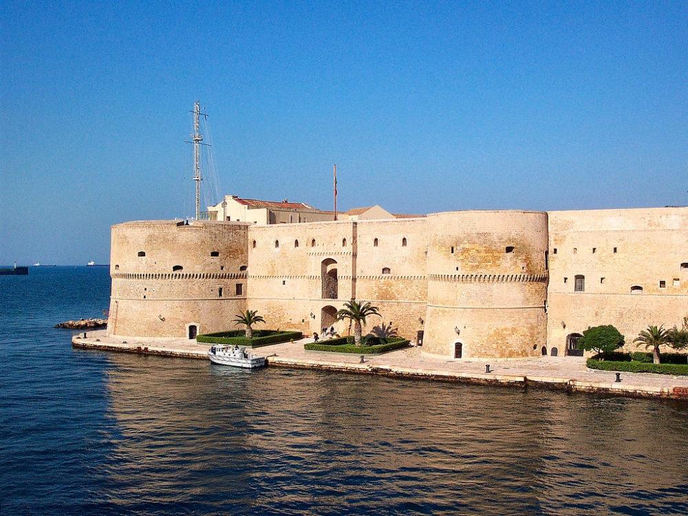castles in puglia, Taranto