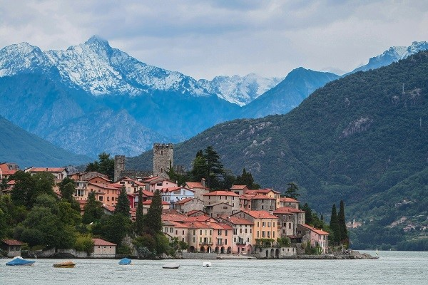Village on the shore of Lake Como