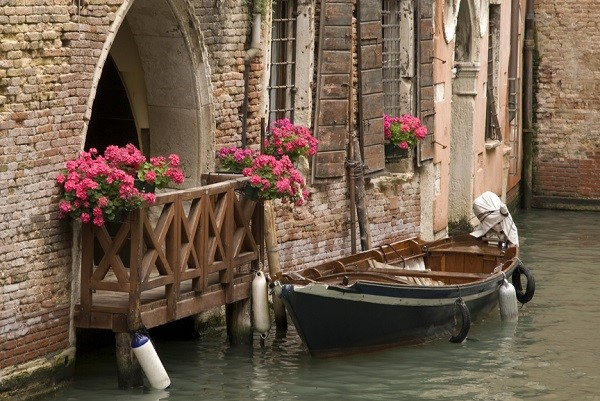 popular wedding destinations in Italy: venice