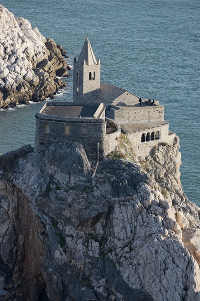 Unforgettable setting for your wedding: St. Peter's Church in Portovenere