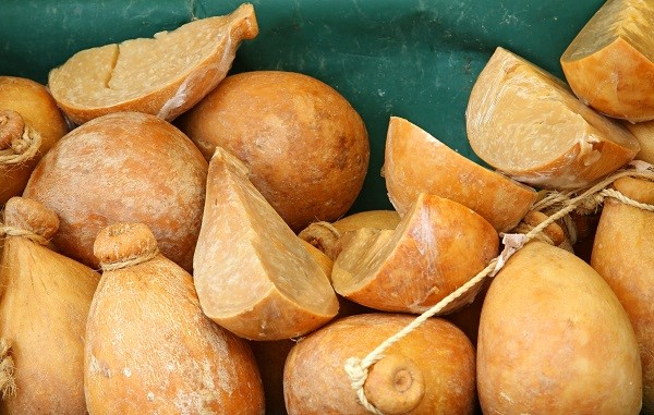 Caciocavallo, the cheese typical of Molise