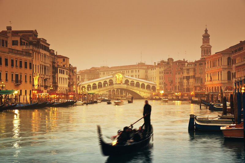 gondola and Rialto bridge
