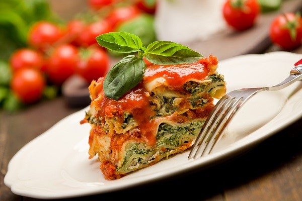 The lasagna is a flat pasta that goes well with a creamy sauce, like this ricotta cheese and spinach