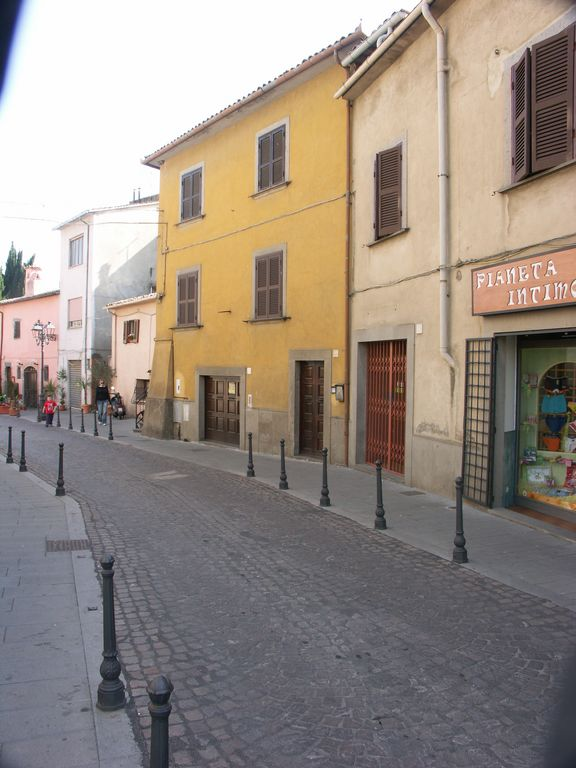 italian life in small towns