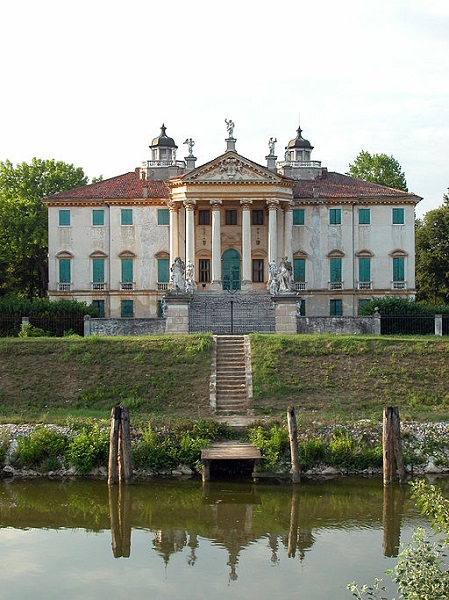 Italy viewed from the water: Villa Giovanelli, a beautiful villa by River Brenta in Noventa Padovana