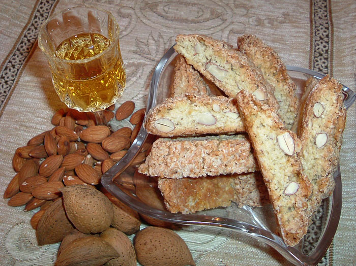 Cantucci and Vin Santo - Tuscan Food