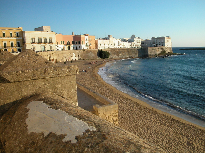 gallipoli, good place for shopping in puglia