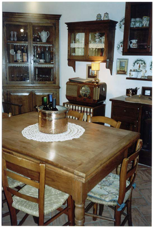 dining table in tuscan home