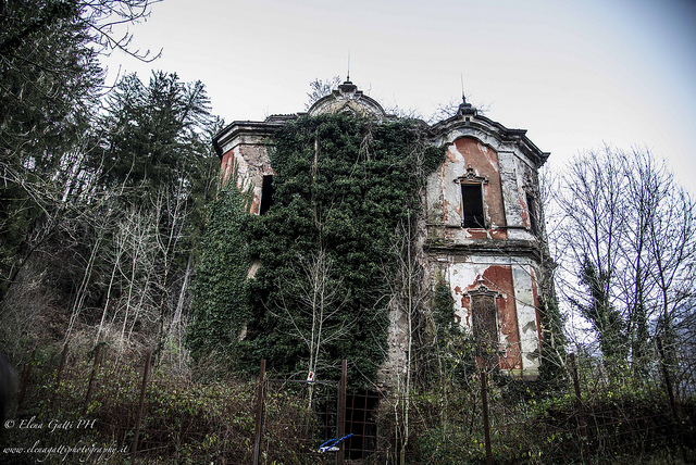 haunted houses italy