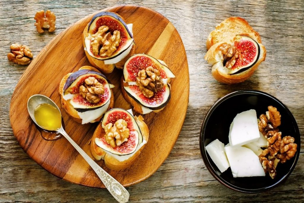 bruschetta fig goat cheese
