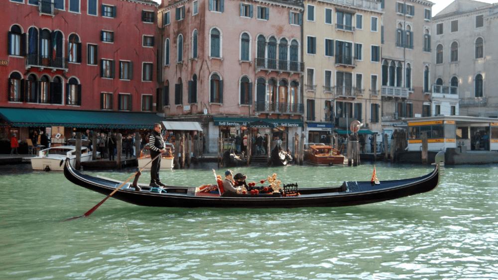 gondola venice canals