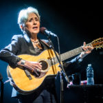 Joan Baez sings for Italy to show her love